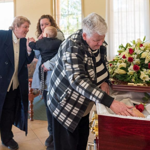 funeral photography - farewelling before the funeral service